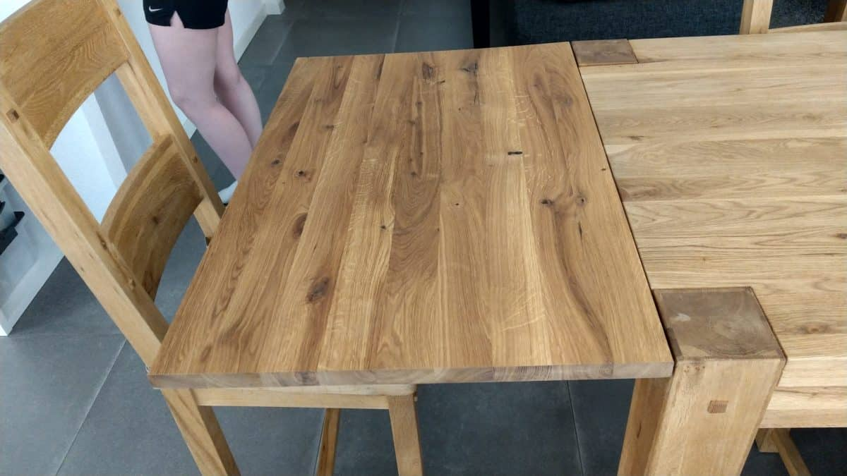Table + chaises et banc en chêne huilé
